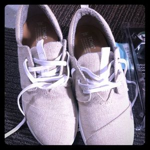 BNWT women's del ray toms shoes sz 8